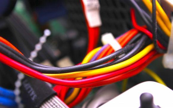 情報機器メーカー製品の配線組立軽作業